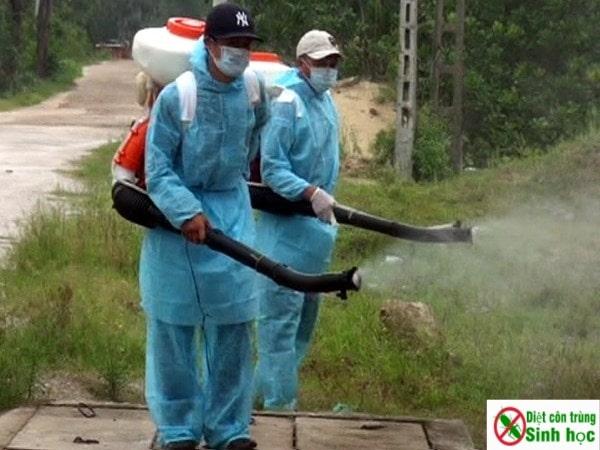 phun thuốc muỗi có tác dụng trong bao lâu