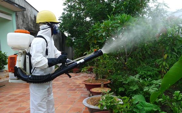hít phải thuốc diệt muỗi có sao không